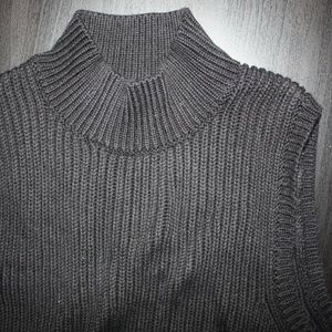F21 Blck Sleeveless Turtle Neck Cable Knit Sweater